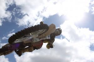 moto-cross-214937_640