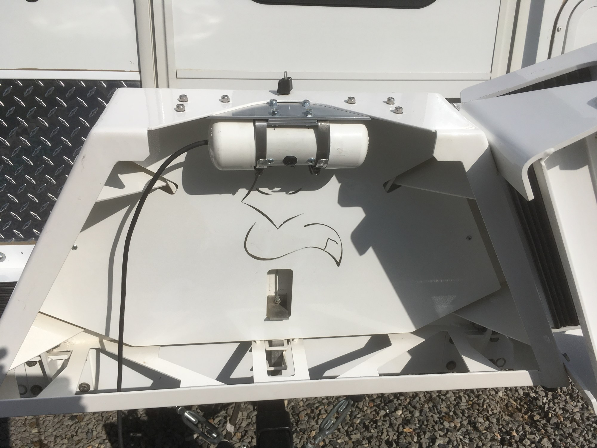 hight resolution of backup camera assembly mounted to fox landing