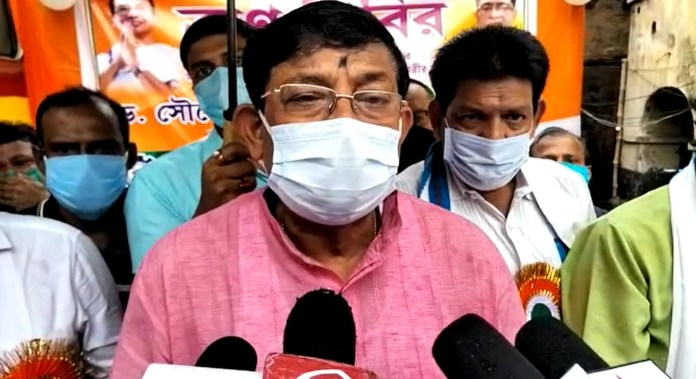 Tmc blood donation camp at tamluk, minister soumen mitra presents there