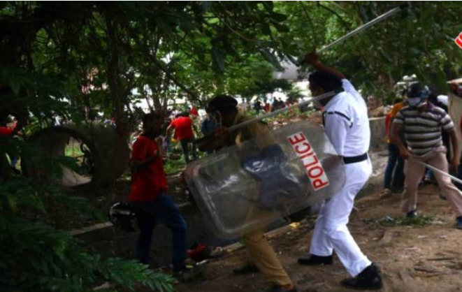 clash in front of East Bengal Club