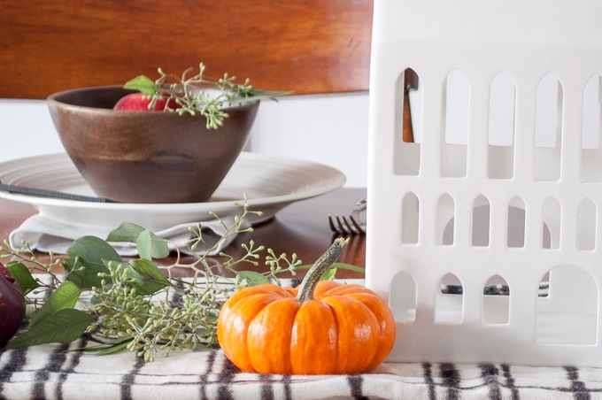 Love this gorgeous fall home tour! So much amazing decor inspiration. My favorite is the tablescape - so beautiful!