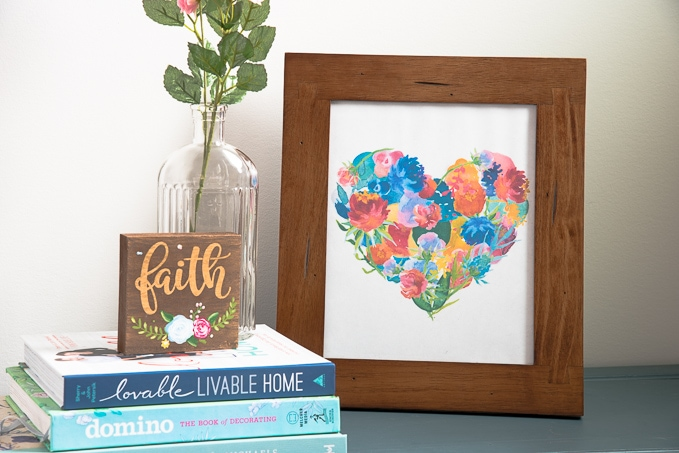 Free printable spring floral heart! This beautiful watercolor heart is made of gorgeous floral elements.