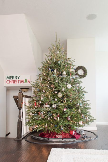 how to keep a christmas tree watered with evergreen elf keys to inspiration. Black Bedroom Furniture Sets. Home Design Ideas