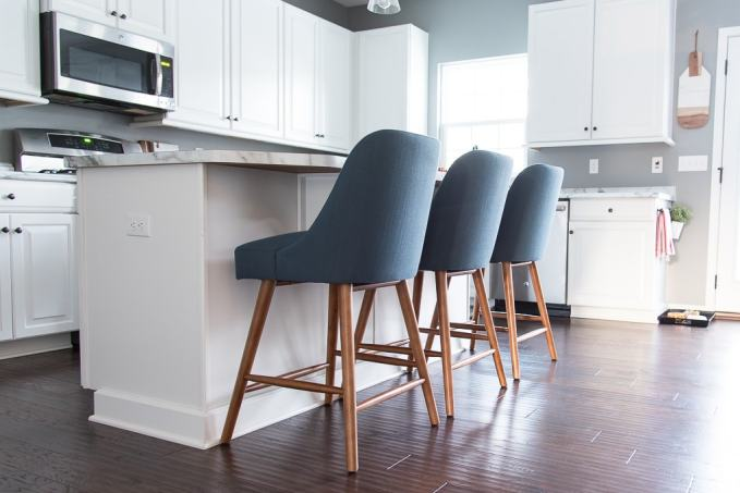 Beautiful and affordable modern classic counter stools for your kitchen at a budget price. Check out these amazing finds!