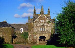 Bradstone Manor, Bradstone, Devon