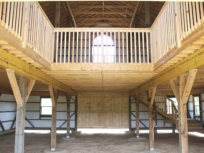 Barn with Open Loft Design