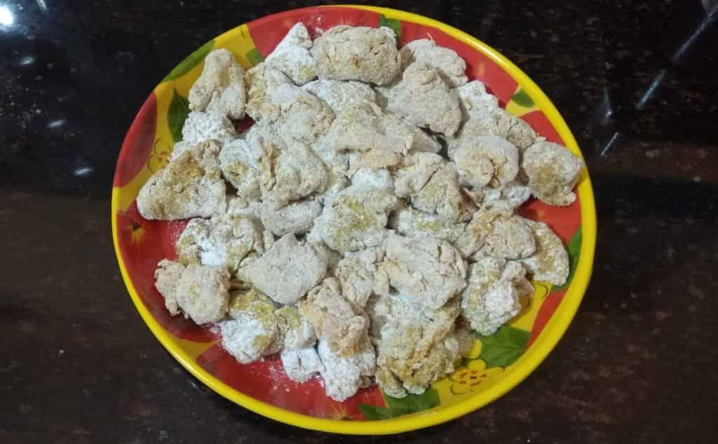 Flour coated pieces