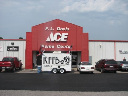KFFB 106.1 on Location at F.L. Davis in Heber Springs Aug 20 2011
