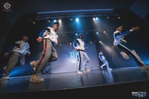 Top rock breaking breakdance b-boying