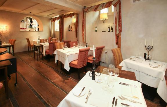 ia_lindenhofkeller_restaurantraum
