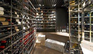 phead_restaurant_wine