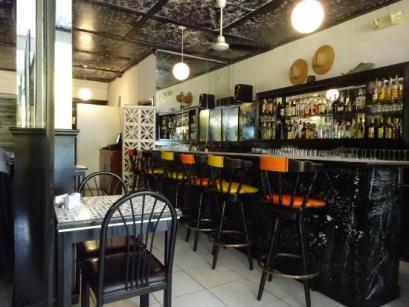 bahamian-cookin-restaurant (5)