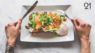 visit-rovaniemi-restaurants-cafe-bar-21-salmon-waffle