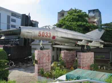 MiG-21_at_B-52_Victory_Museum,_Hanoi