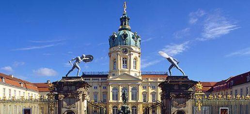charlottenburg-palace-entrance