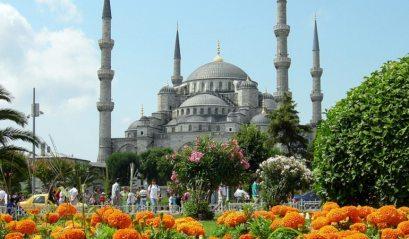 medium_blue_mosque_istanbul_tulips