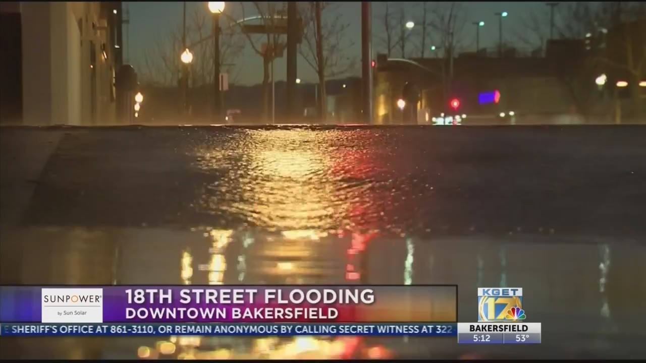 Water main break causes flooding, street closures in Downtown Bakersfield
