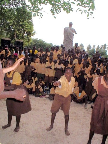 Kopeyia students learning Dagara dancing