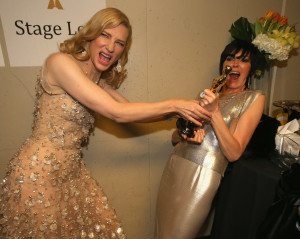 Cate-Blanchett-joked-around-her-gold-statue-300x239
