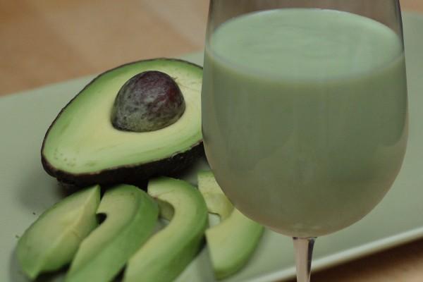 AvocadoSmoothie3-600x400
