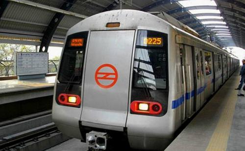 CSE की रिपोर्ट में खुलासा, दिल्ली मेट्रो से लोगों का मोह भंग, दुनिया की दूसरी सबसे मंहगी मेट्रो