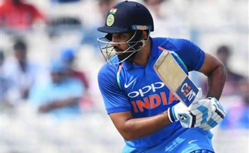 टेस्ट सीरीज का आखिरी और निर्णायक मैच को बीच में छोड़ रोहित शर्मा भारत वापिस लौटे