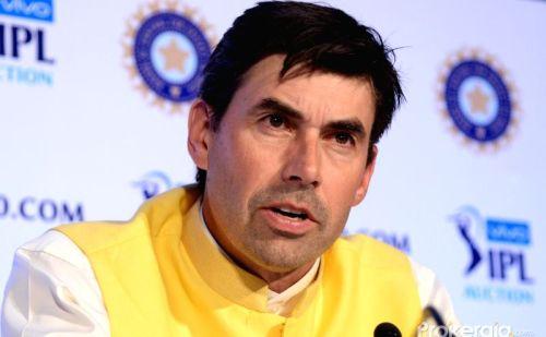 IPL  रैना का बहार होना फ्लेमिंग के लिए बना परेशानी का सबब