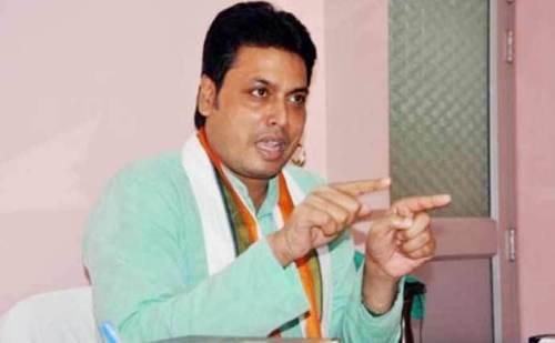 मुख्यमंत्री बिप्लब कुमार देब ने कहा, नौजवान सरकारी नौकरियों के लिए नेताओं के पीछे न भागें