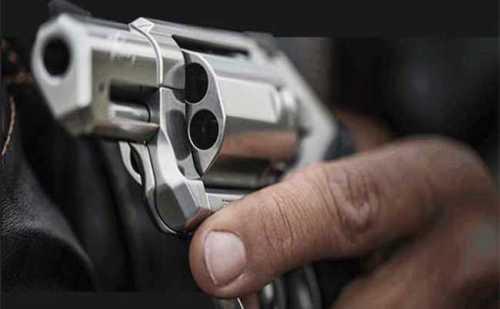 एक शख्स ने खुद को गोली से सिर्फ घायल करने के दिए थे पैसे, लेकिन हुआ कुछ ऐसा