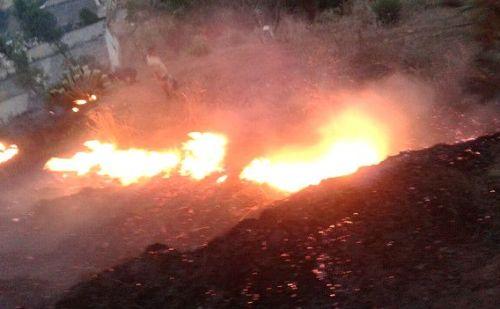 उत्तराखंड के जंगलों में लगी भीषण आग, बेसुद है प्रशासन