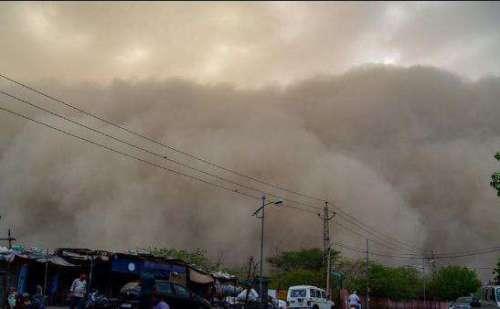 आंधी तुफान ने फिर दिखाया कहर, 40 लोगों के मरने की पुष्टि