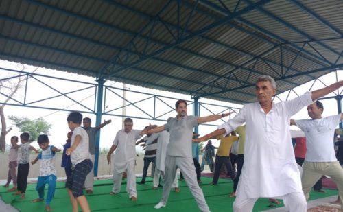 भाजपा प्रदेशाध्यक्ष ने गांव डांगरा स्टेडियम में योगाभ्यास कक्षा का विधिवत किया शुभारंभ