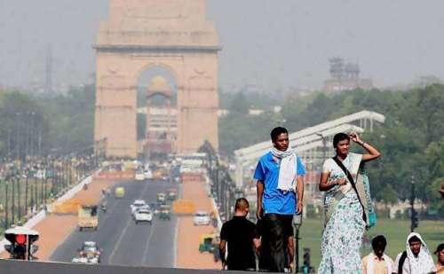 राजधानी दिल्ली में गर्मी का सामना करना हुआ कठिन
