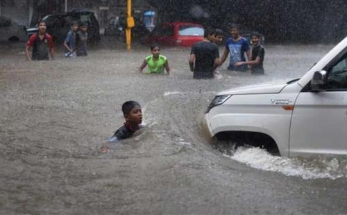 देहरादून में बारिश का कहर, अब तक 5 लोगों की मौत