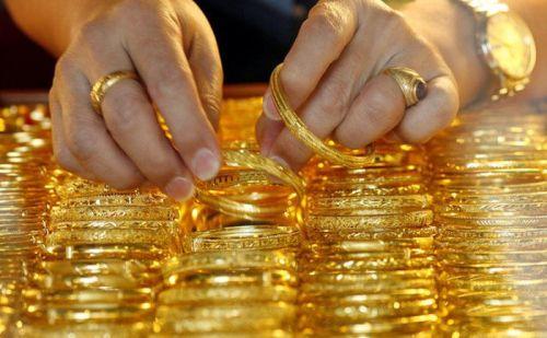 सोना हुआ सस्ता, जानिए क्या है सोने का दाम