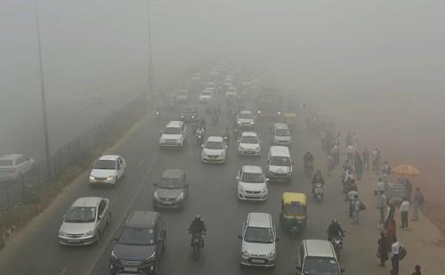 दिल्ली में बढ़ते प्रदूषण को लेकर सुप्रीम कोर्ट हुआ सख्त