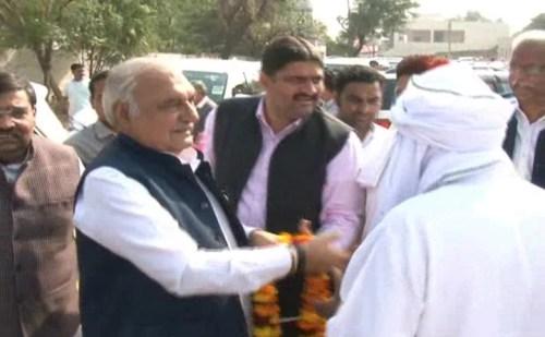 हरियाणा: सोहना रिठौज गांव पहुंचे पूर्व मुख्यमंत्री भूपेंद्र सिंह हुड्डा