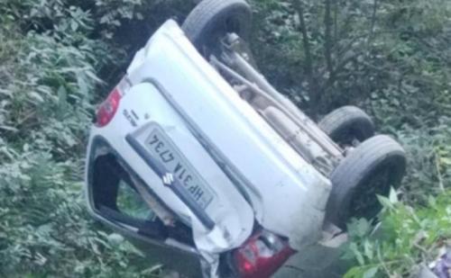 सोलन: 100 फिट गहरी खाई में गिरी कार,एक की मौत