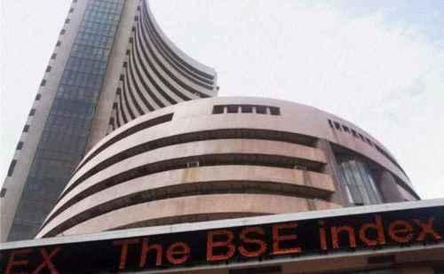 येस बैंक का संकट, शेयर बाजार पर भारी, 894 अंक की गिरावट के साथ बंद हुआ सेंसेक्स