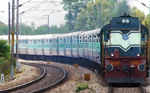 वेस्ट सेंट्रल रेलवे ने कई पदों पर निकाली वैकेंसी, 10वीं पास जल्द करें आवेदन