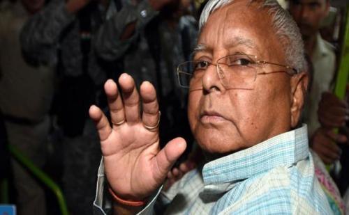 राहुल गांधी का इस्तीफा देना कांग्रेस के लिए आत्मघाती होगा : लालू यादव
