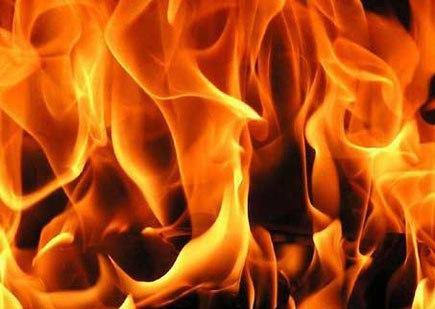 दर्दनाक हादसा: घर में लगी आग, एक ही परिवार के चार लोगों की जिंदा जलकर मौत