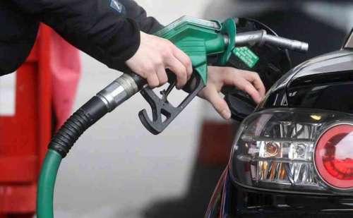 पेट्रोल और डीजल की कीमतों में लगातार दूसरे दिन हुई बढ़ोतरी