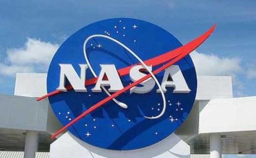 """चन्द्रमा के लिए अंतरिक्षयात्रियों सहित मिशन """"आर्टेमिस"""" लांच करेगा नासा"""