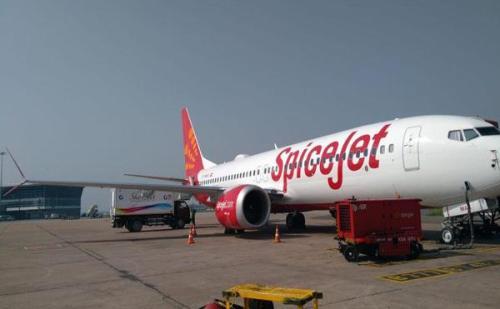 स्पाइसजेट ने नई उपलब्धि की अपने नाम, बेड़े में 100 वां विमान किया शामिल