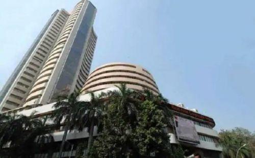 शुरूआत में ऊंचा चढ़ा शेयर बाजार, अचानक से गिरावट की गई दर्ज
