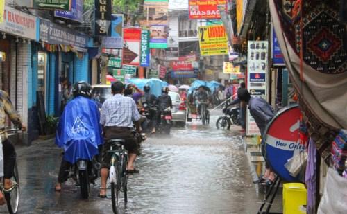 मूसलाधार बारिश के कारण नेपाल में 43 लोगों की मौत