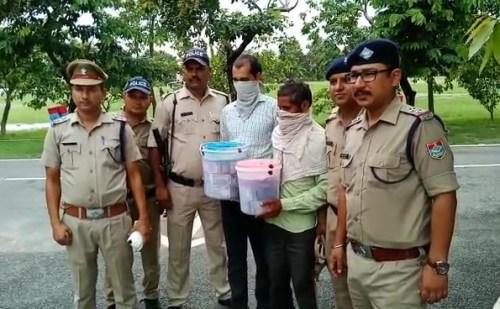 सितारगंज: लाखों की चोरी मामले में पुलिस ने दो आरोपियों को किया गिरफ्तार