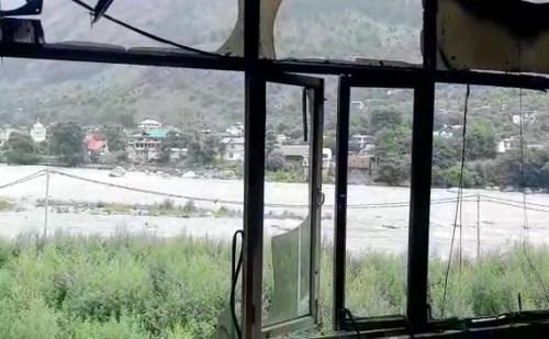 कुल्लू: भुंतर में मकान में लगी आग, 2 कमरे जलकर राख