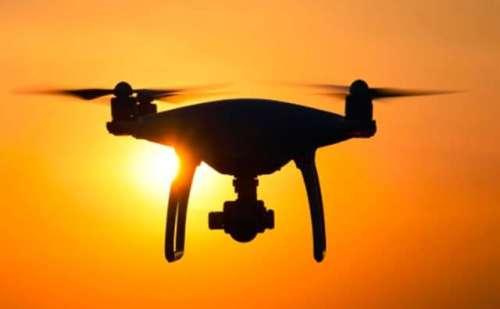 पंजाब में एक बार फिर उड़ते दिखे पाकिस्तानी ड्रोन, जांच में जुटी बीएसएफ